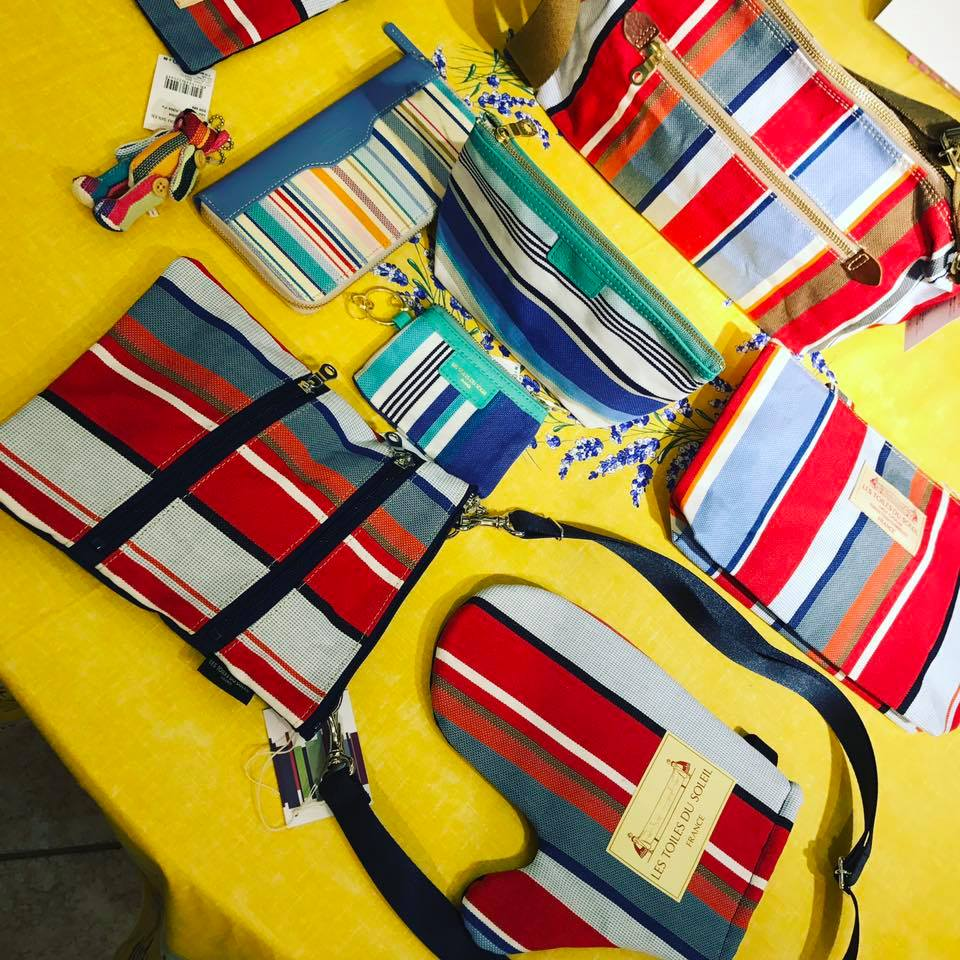 これからの季節にぴったりのショルダーバッグや、お財布など新商品が沢山入荷しました!