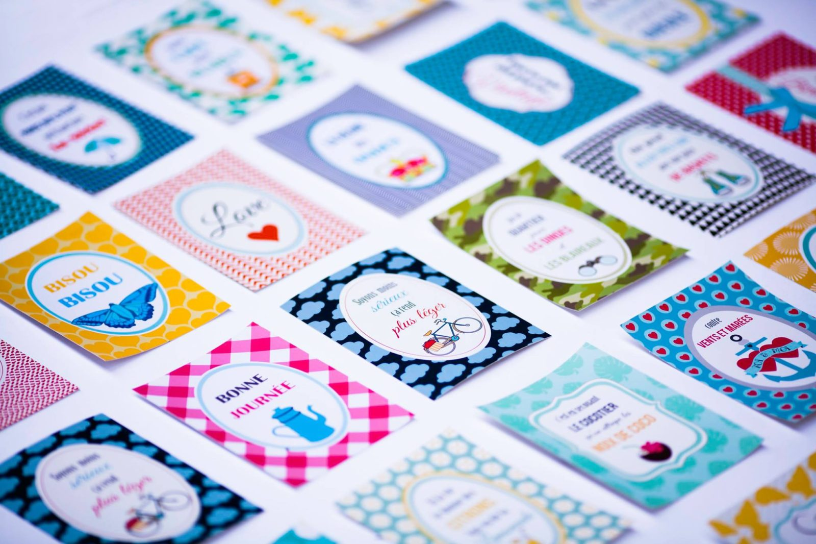 フランスの可愛いポストカードでお友達にお手紙を送ってみませんか?