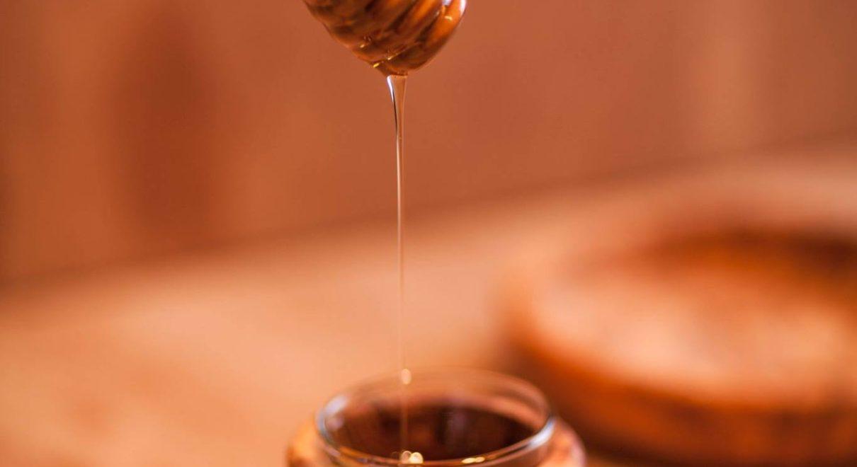 ハチミツをすくいやすいニーディッパーはいかがですか?