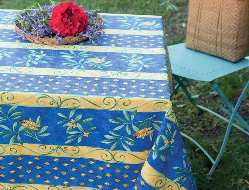 エレガントなデザインが特徴のジャガード織りテーブルクロス