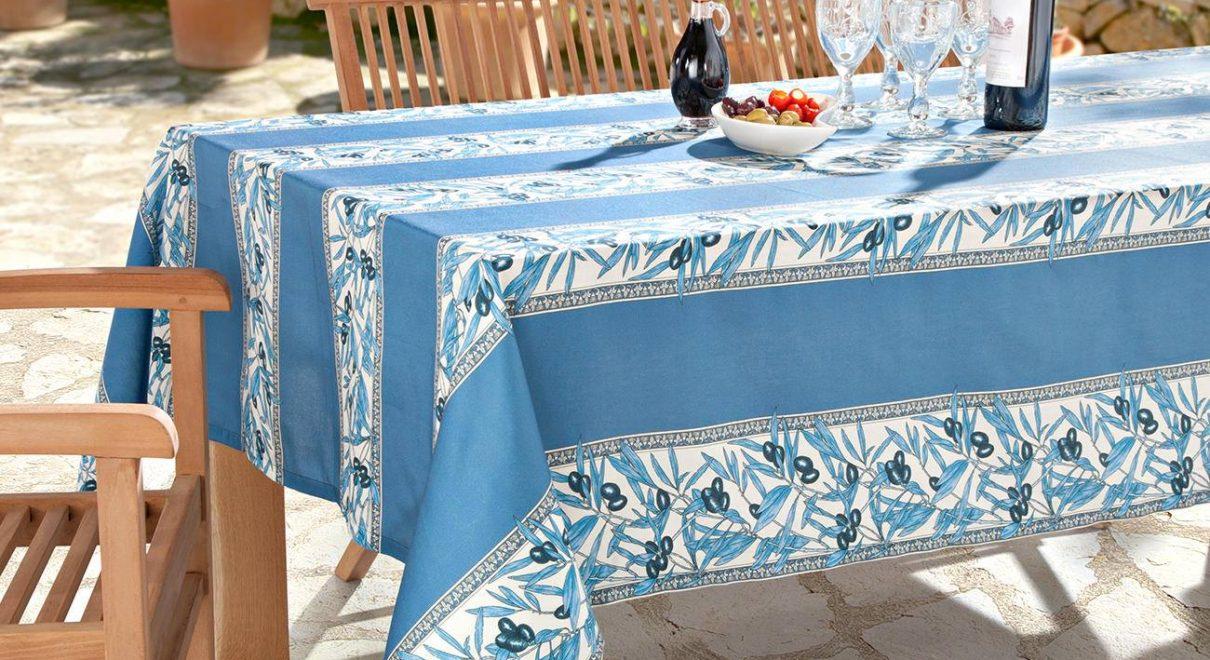 プロヴァンス柄が美しいテーブルクロスサイズ