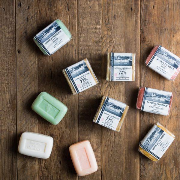 マルセイユの伝統的な釜炊き製法で作られた無添加オリーブ石鹸をご紹介